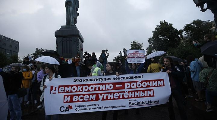Rusya'da Putin karşıtı gösteride 130 kişi gözaltına alındı