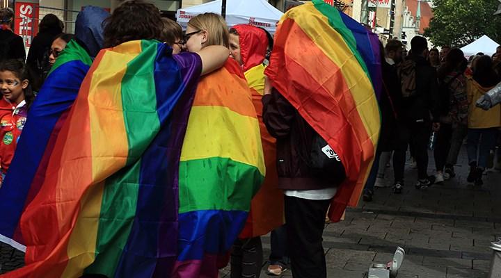 Sudan'da eşcinsel ilişkiye idam ve kırbaç cezası kaldırılıyor