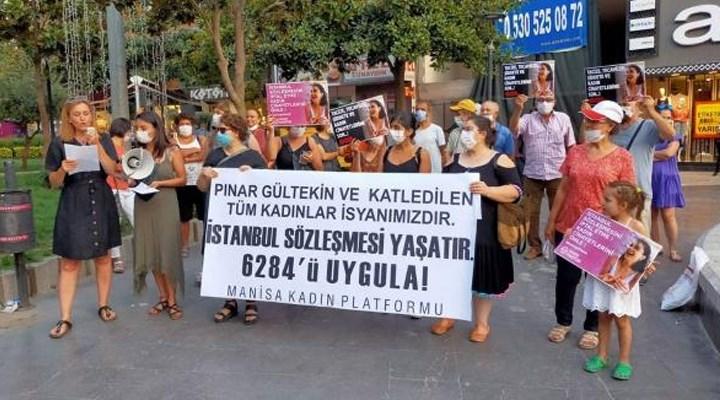 Kadınlar şiddete karşı sokaklarda