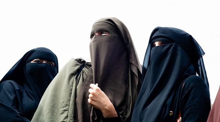 Almanya'nın bir eyaletinde çocuklara burka giydirilmesi yasaklandı