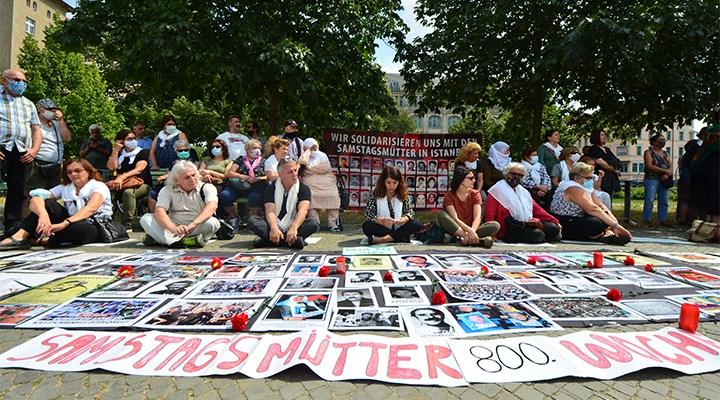 Berlin'de Cumartesi Anneleri ile dayanışma eylemi