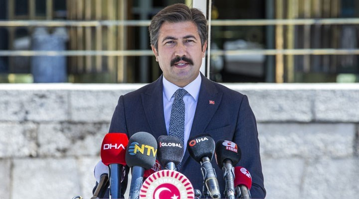 AKP'li Cahit Özkan'dan sosyal medya düzenlemesine ilişkin açıklama