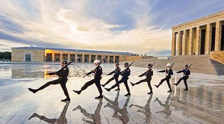 MSB'den tartışma yaratan 'Anıtkabir fotoğrafına' ilişkin açıklama