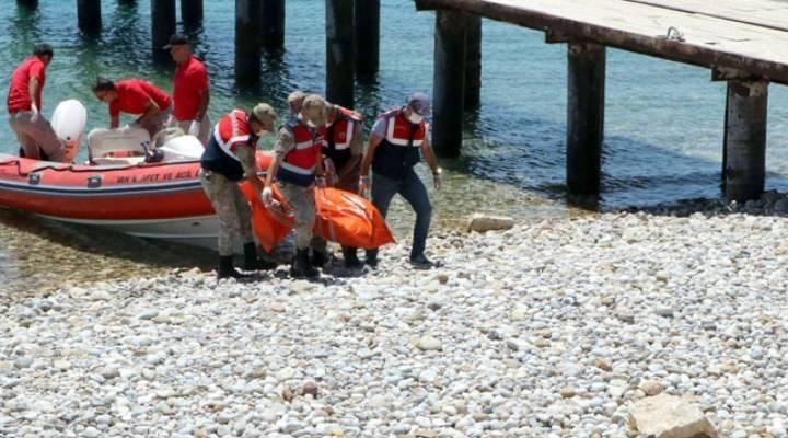 Van'daki tekne faciasının ardından aileler yakınlarını arıyor