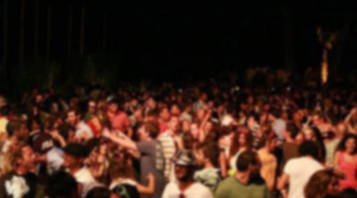 Çeşme'de 6 eğlence kulübü koronavirüs tedbirine uymadığı için kapatıldı