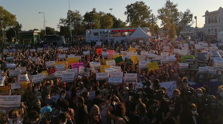 Kadınlar ülkenin dört bir yanında tek ses oldu: İstanbul Sözleşmesi'nden vazgeçmiyoruz!