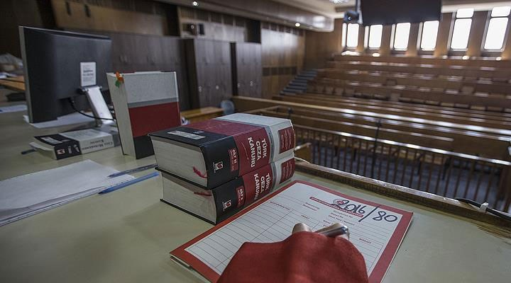 Yargıtay, eşiyle ailesi arasında dengeyi koruyamamayı boşanma sebebi saydı