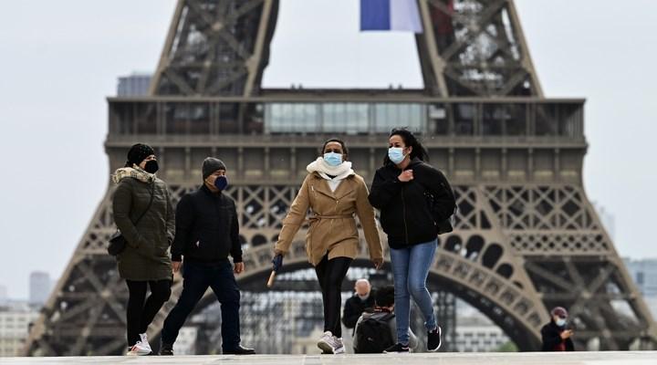 Paris'te 10 Ağustos'tan itibaren açık alanlarda maske takmak zorunlu olacak