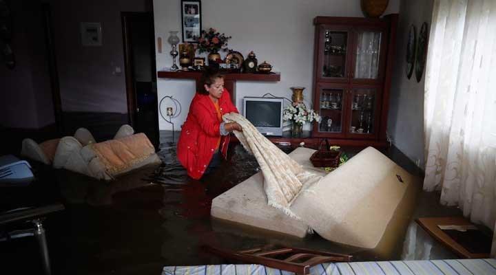 Eğriboz Adası'nda sel felaketi: 5 ölü