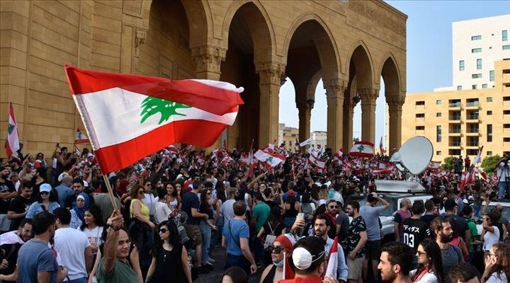 Beyrut patlaması: Lübnan'da bütün kabine istifa etti