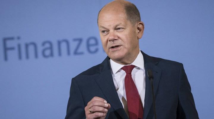 SPD'nin başbakan adayı Scholz oldu