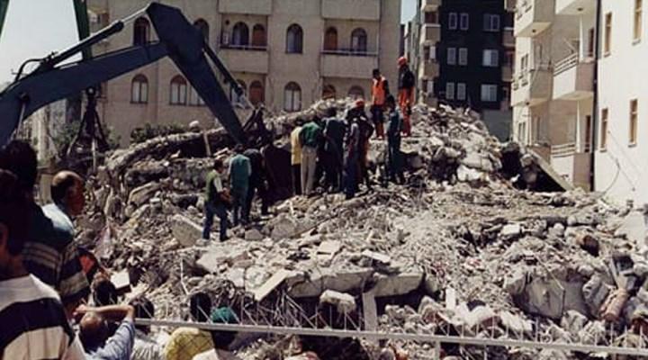 'Depremin üzerinden 21 yıl geçmesine rağmen acil olan önlemler alınmadı'