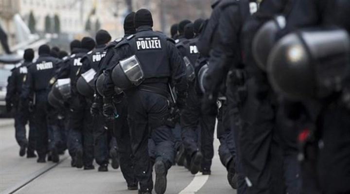 Almanya'da polis, Türkiyeli bir aileyi darp etti