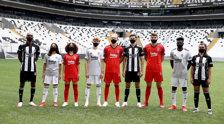 Beşiktaş Futbol Takımı'nın yeni sezon formaları tanıtıldı