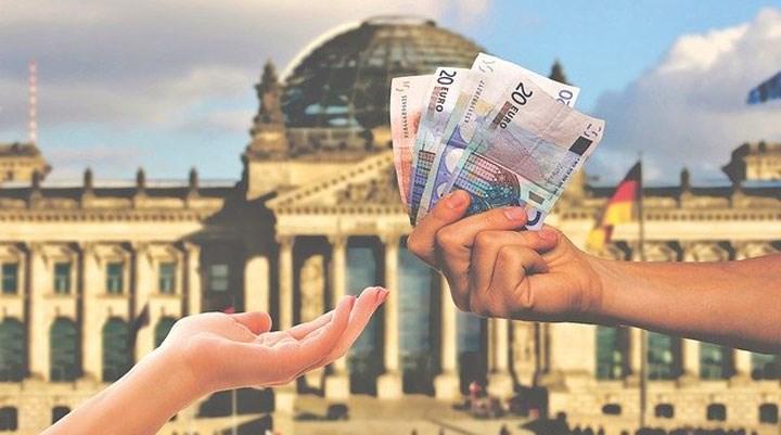 """Almanya'da """"evrensel temel gelir"""" uygulamasına 3 günde 1 milyon başvuru"""