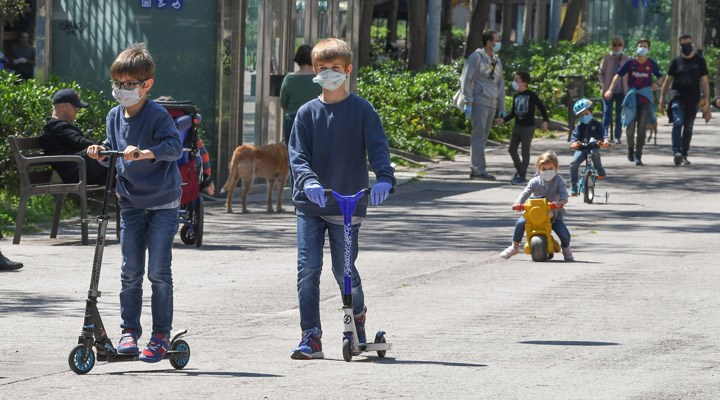 DSÖ: 12 yaş ve üzeri çocuklar maske takmalı