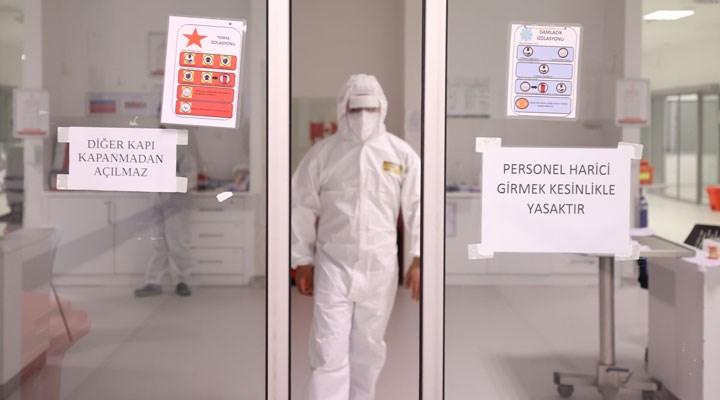 Bakanlık'tan sağlık çalışanlarına 'iş kıyafeti' uyarısı