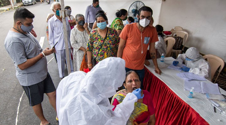 Dünya genelinde koronavirüs vaka sayısı 24 milyonu aştı