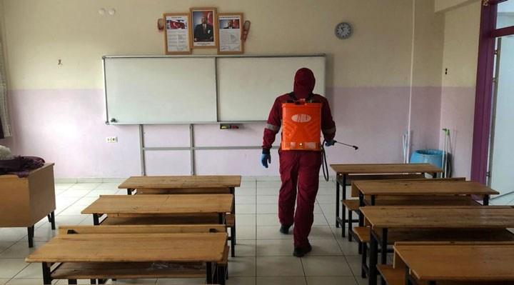 'MEB'in sorumluluğu yoktur' taahhütnamesi imzalamayan velinin çocukları okula alınmayacak!
