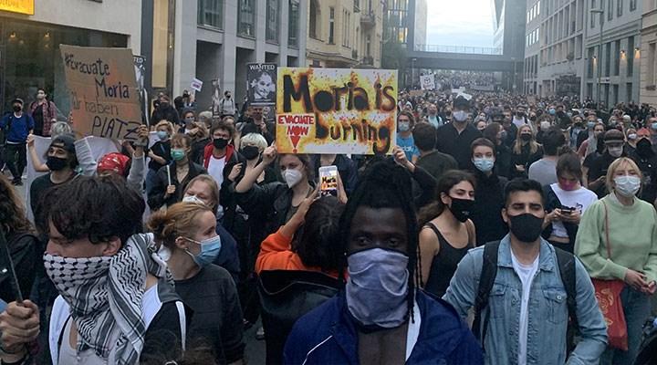 Almanya´da binlerce kişi Moria Kampı'ndaki mülteciler için eylemde