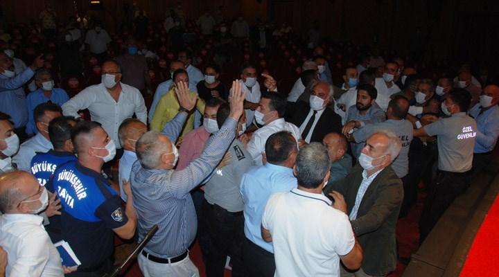 Zeydan Karalar: Adana'nın lehine iş yapmaya çalıştıkça engellemeye çalışıyorlar