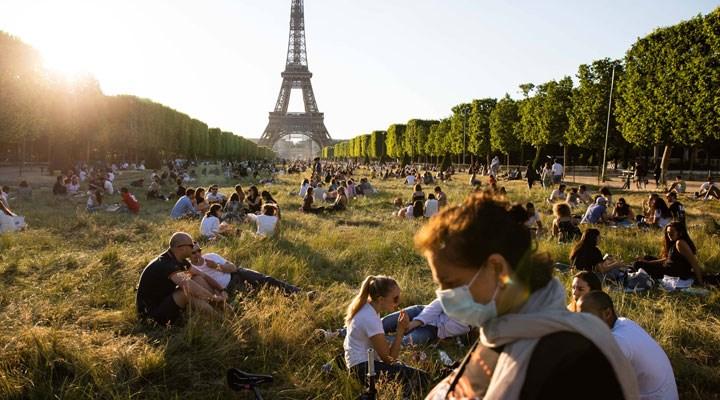 Fransa'da salgının başından beri en yüksek günlük vaka sayısı kaydedildi