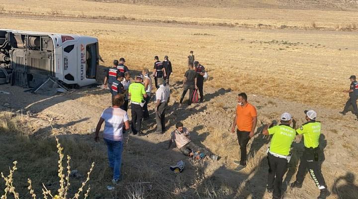 Aksaray-Adana yolunda bir otobüs şarampole yuvarlandı