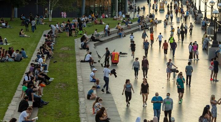 İngiltere'de son 4 ayın en yüksek günlük vaka sayısı açıklandı