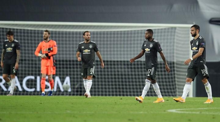 Manchester United, Premier Lig'e kötü başladı