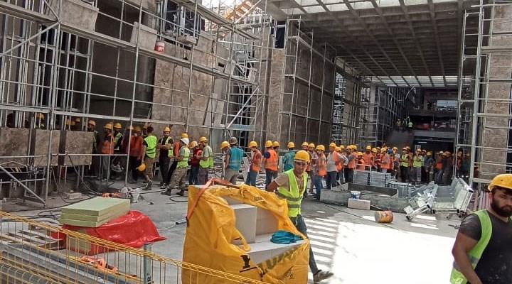 AKM inşaatında işçilerin canı tehlikede