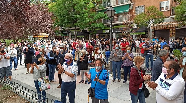 İspanya'da Covid-19 kısıtlamaları protesto edildi
