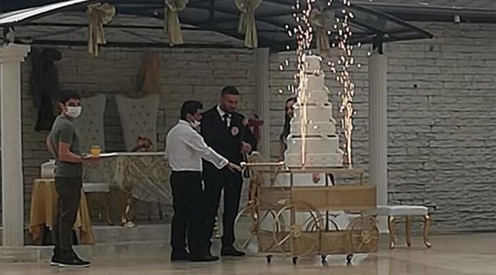 Covid-19 olduğunu bile bile çalışmaya devam eden düğün salonu çalışanına hapis talebi