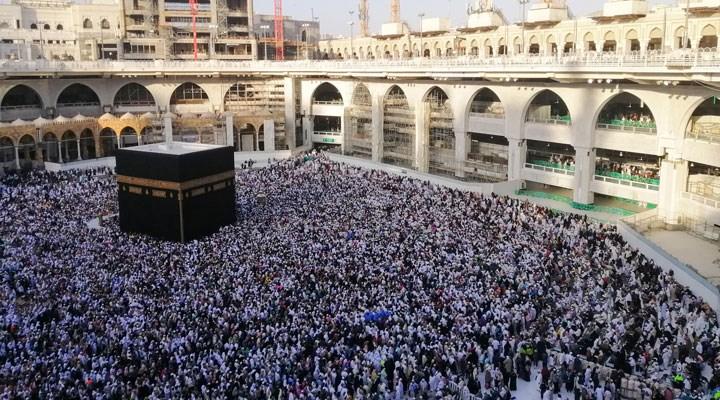 Suudi Arabistan, umre ziyaretlerinin yeniden başlayacağını açıkladı