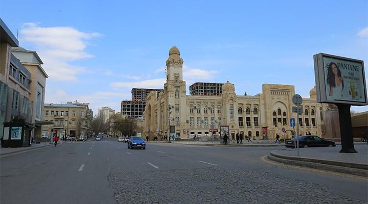 Azerbaycan'daki savaş hali 19 il ve ilçede geçerli olacak