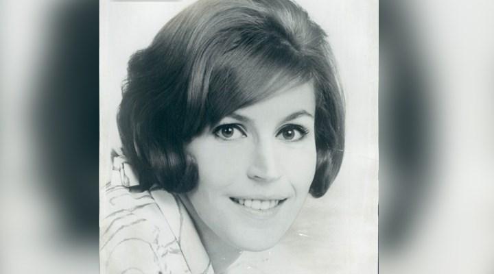 """Feminist hareketle özdeşleşen şarkılardan """"I Am Woman""""ın yazarıHelen Reddy yaşamını yitirdi"""