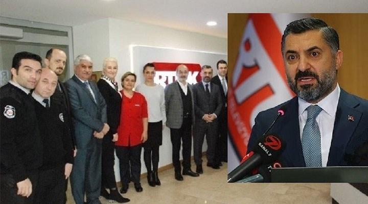 RTÜK Başkanı'na özel tasarım mobilya