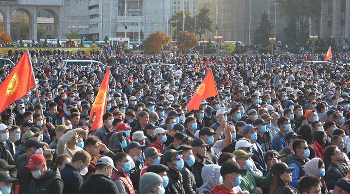 Kırgızistan seçimleri halkın sokağa dökülmesiyle iptal edildi