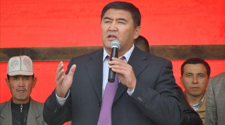 Kırgızistan'da cezaevinden çıkan Caparov'un başbakanlığı onaylandı