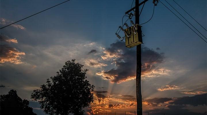 Elektrik patronlarının borcunu halk ödüyor