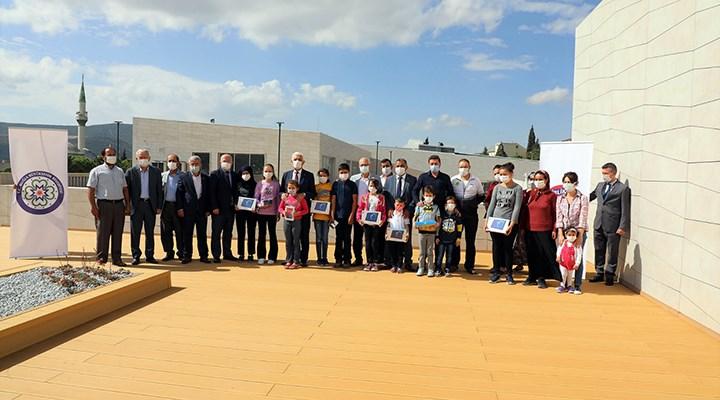 Muğla Büyükşehir Belediyesi'nden öğrencilere tablet ve internet paketi