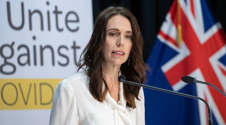 Yeni Zelanda'da Ardern'in partisi seçimden zaferle ayrıldı