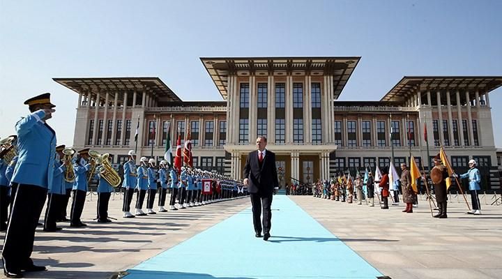 AKP'nin geri adımı sadece bir gün sürdü