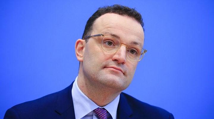 Almanya Sağlık Bakanı Spahn, koronavirüse yakalandı