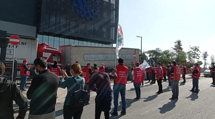 SOL Parti'den ücretsiz izne çıkarılan işçilere dayanışma ziyareti