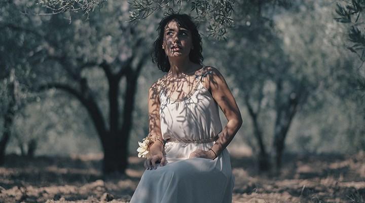Bade Nosa'dan 'Küskün Yolcunun Türküsü'