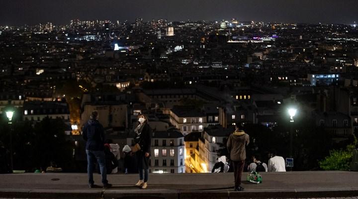 Fransa'da ülke genelinde sokağa çıkma yasağı uygulanacak