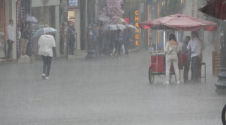 İstanbullular güne yağışla başladı: Meteoroloji'den birçok il için uyarı