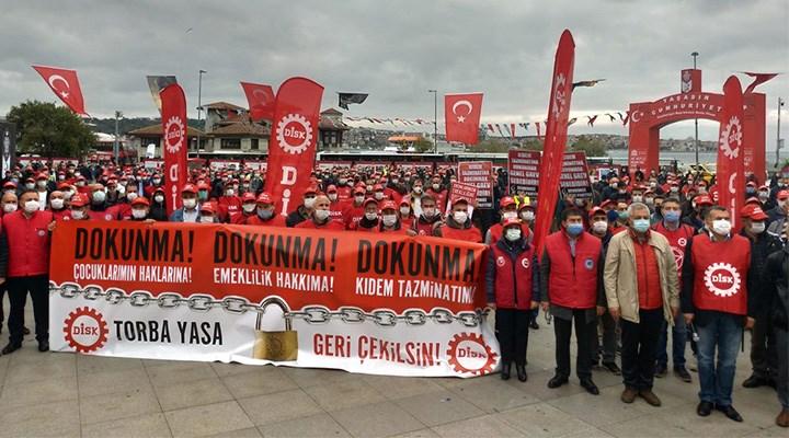 İşçi sınıfı haklarını ortak mücadeleyle korudu