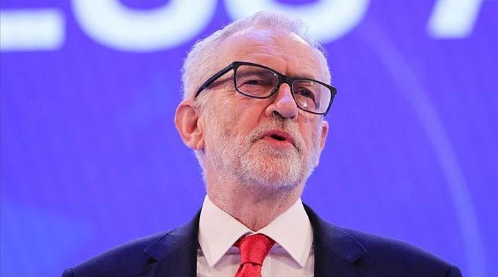 İngiltere'de eski İşçi Partisi lideri Corbyn'in parti üyeliğinin devamına karar verildi