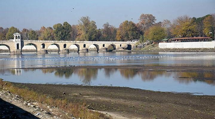 Edirne'de son 90 yılın en kurak dönemi: Meriç Nehri'nde kum adacıkları
